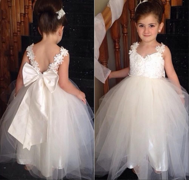 Cute Tulle Lace Applique UK Flower Girl Dresses Backless Long Bowknot Children Gowns BO8533