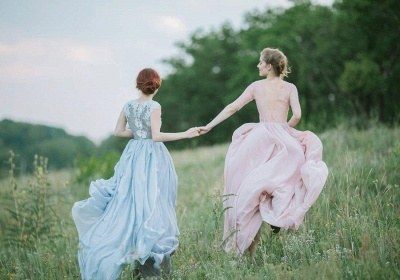 Sheer Lace Chiffon Bridesmaid Dresses UK Half Winter Ruffles Long Maid of Honor Dresses_3